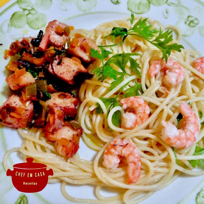 Espaguete com camarão e polvo refogados